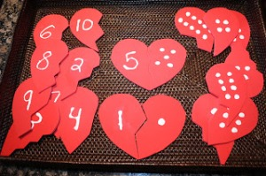 contando até 10 quebra cabeça de coração