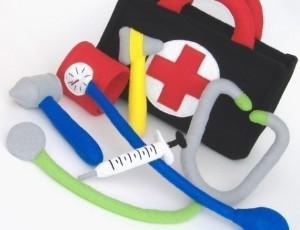 faz de conta medico- equipamentos em feltro 2