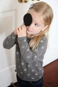 faz de conta medico- tapa olho exame de vista